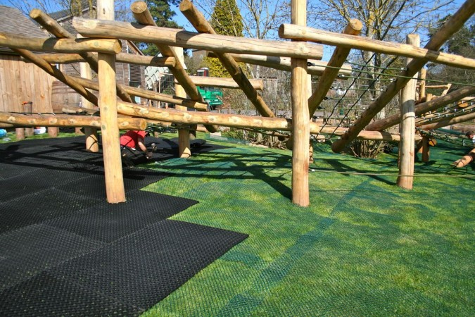Large Play Frames Area
